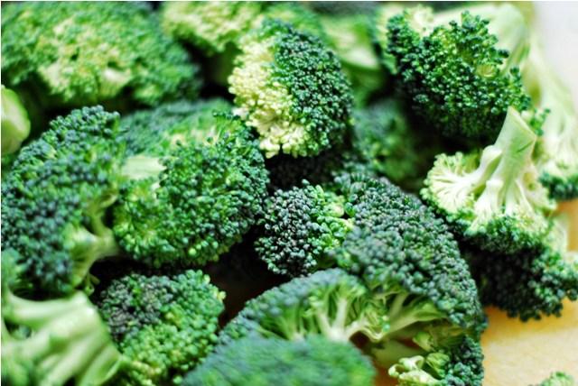 Broccoli florets for Broccoli Cheddar soup