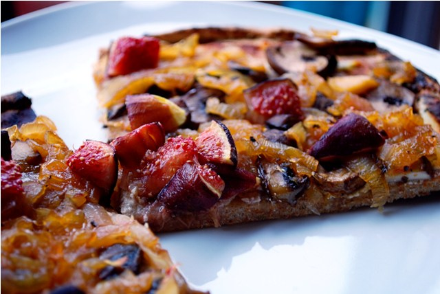 Fig pizza ready to eat!