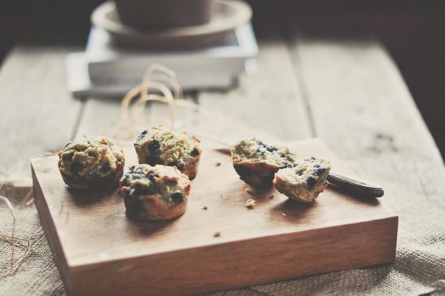 paleo_blueberry_muffins1-2